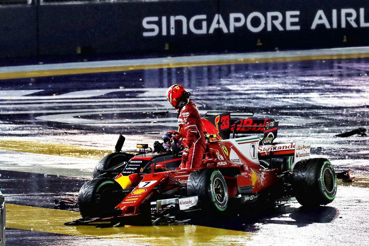 2017年F1第14戦シンガポールGP キミ・ライコネン(フェラーリ)とマックス・フェルスタッペン(レッドブル)が接触によりリタイア
