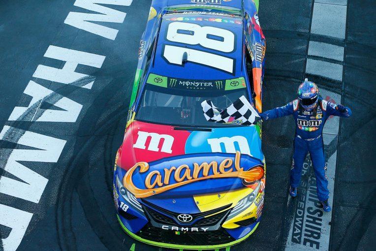 NASCAR第28戦を制したカイル・ブッシュ(トヨタ・カムリ)