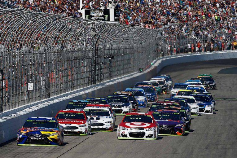 海外レース他 | NASCAR:TOYOTA GAZOO Racing 2017第28戦ロードン レースレポート