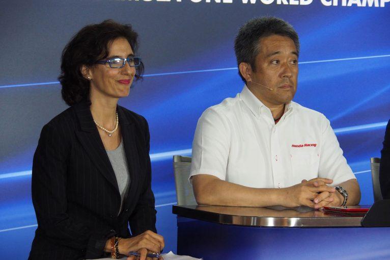 F1 | 【あなたは何しに?】日本のレース界ではおなじみの通訳。F1シンガポールGPでも大活躍