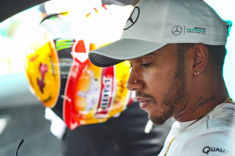 F1   ハミルトン「雨でもドライでもマシンがひどい。何とか原因を突き止めなければ」メルセデスF1マレーシア金曜
