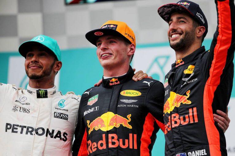 F1   F1マレーシアGP決勝:フェルスタッペンが逆転勝利!ベッテルは最後尾から4位入賞後にクラッシュ