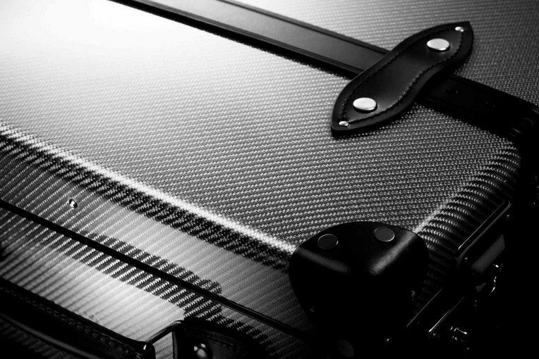 F1 | F1の最先端技術が詰まったトラベルケース『120(ワントゥエンティ)』数量限定販売