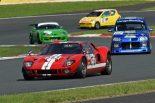パレードラン、エキシビションランを行うK4-GPの車両。さまざまな車種の中には往年のル・マンカーを模したレプリカカーも。