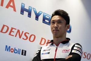 2017年シーズン、8号車トヨタTS050ハイブリッドをドライブしている中嶋一貴