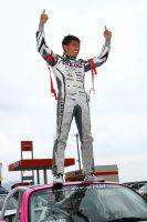 グローバルMX-5カップ・ジャパンの最終戦富士で2位を獲得し、チャンピオンに輝いた山野哲也