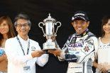 グローバルMX-5カップ・ジャパンのチャンピオンを獲得した山野哲也