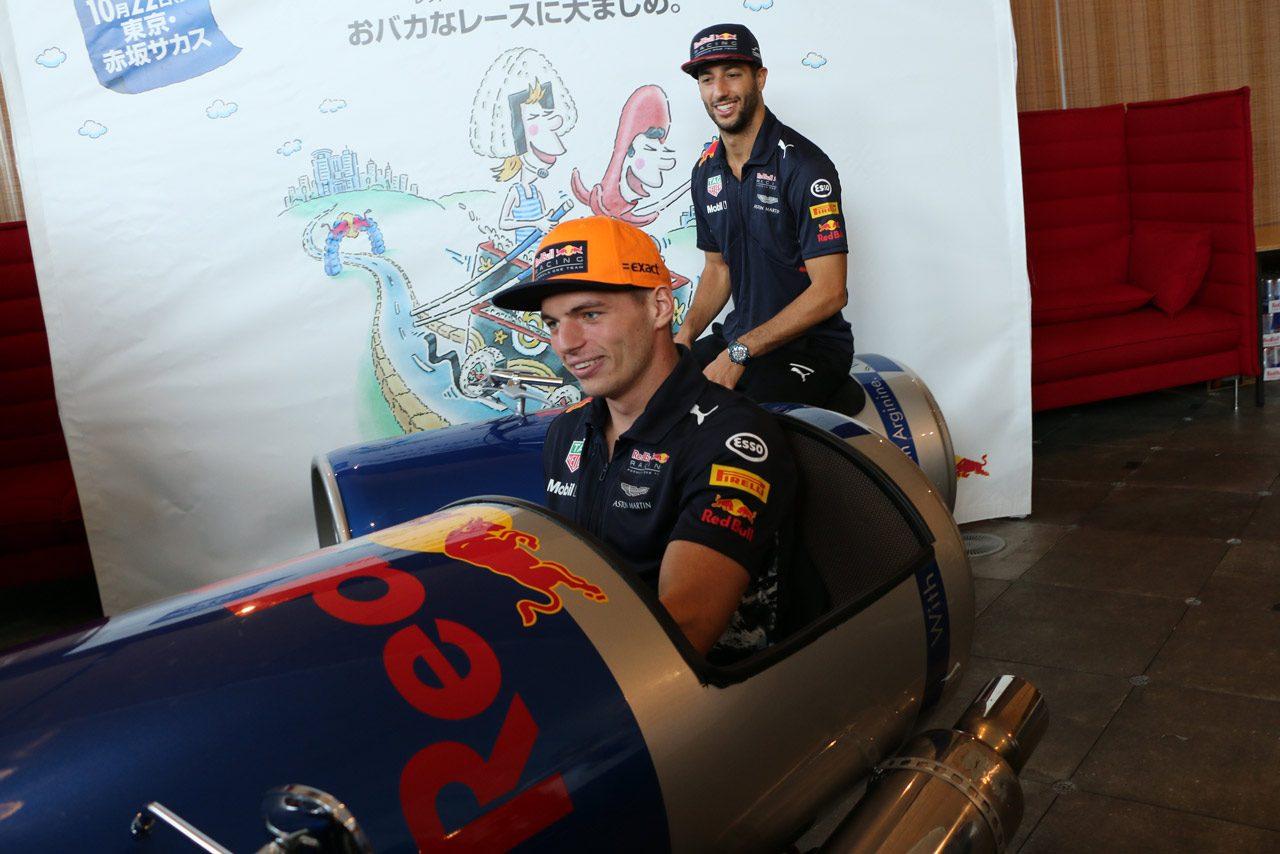 「寿司をたくさん食べて鈴鹿を速く泳ぐ!」レッドブルF1のふたりが日本GPに先駆け来日