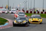 海外レース他 | スーパーTC2000:波乱のブエノスアイレス200kmはルノー・フルーエンスGTが大逆転勝利