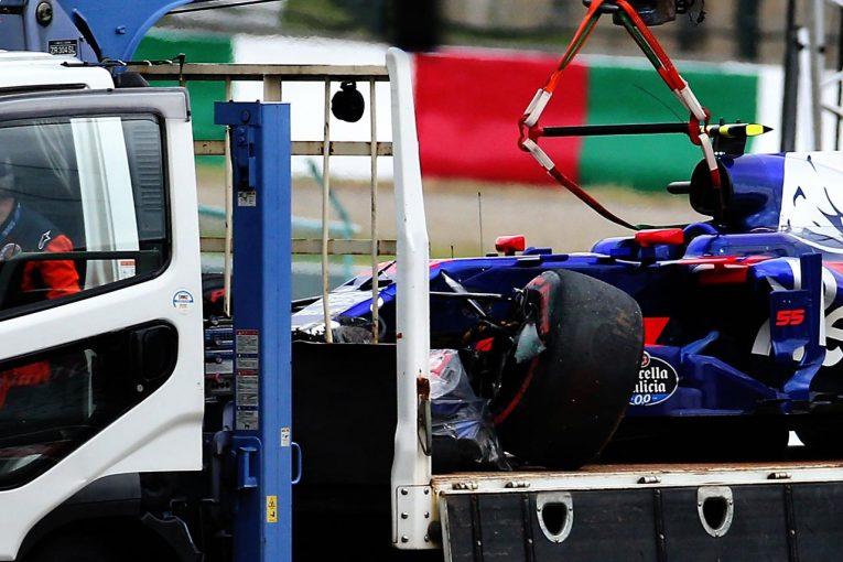 F1   【動画】サインツがヘアピンでクラッシュ/F1日本GPフリー走行1回目