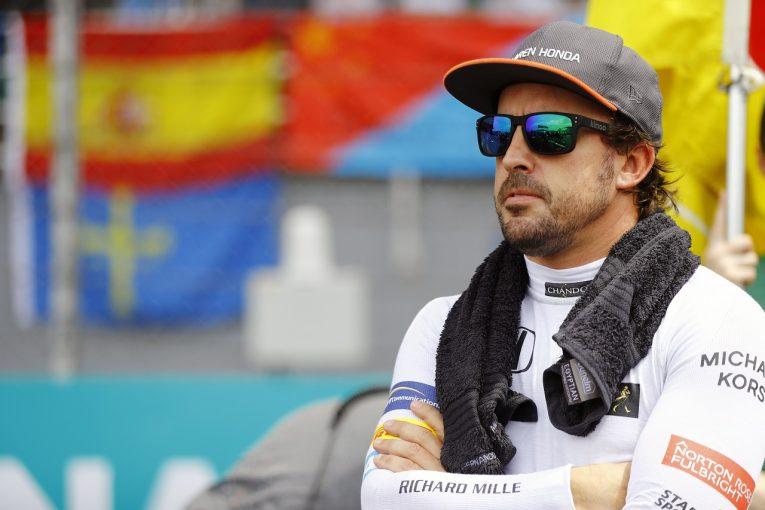 F1 | アロンソ「ルノーPU搭載でマクラーレンの真価が分かる」。レッドブルF1との直接対決は大きなプレッシャーに