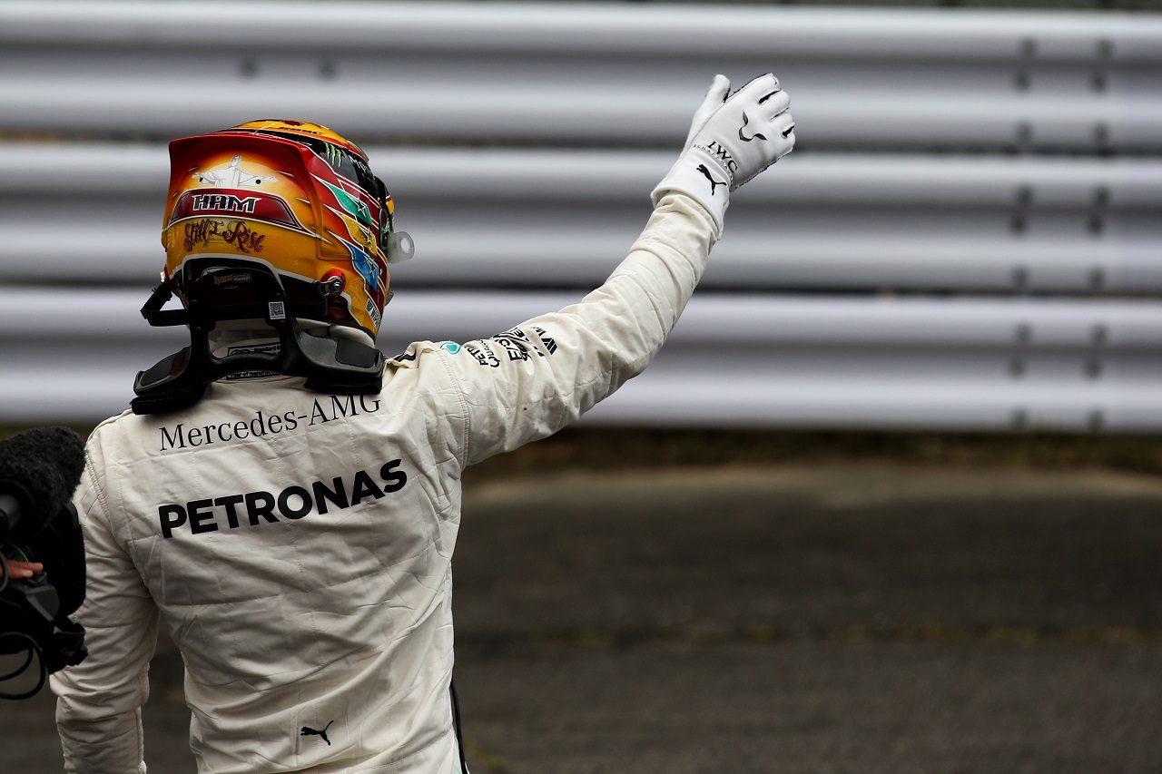 2017年F1第16戦日本GP ルイス・ハミルトン(メルセデス)、ポールポジションを獲得