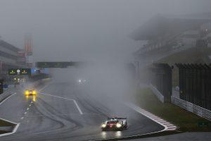 WEC第7戦富士の予選は霧が立ち込めるなか争われた