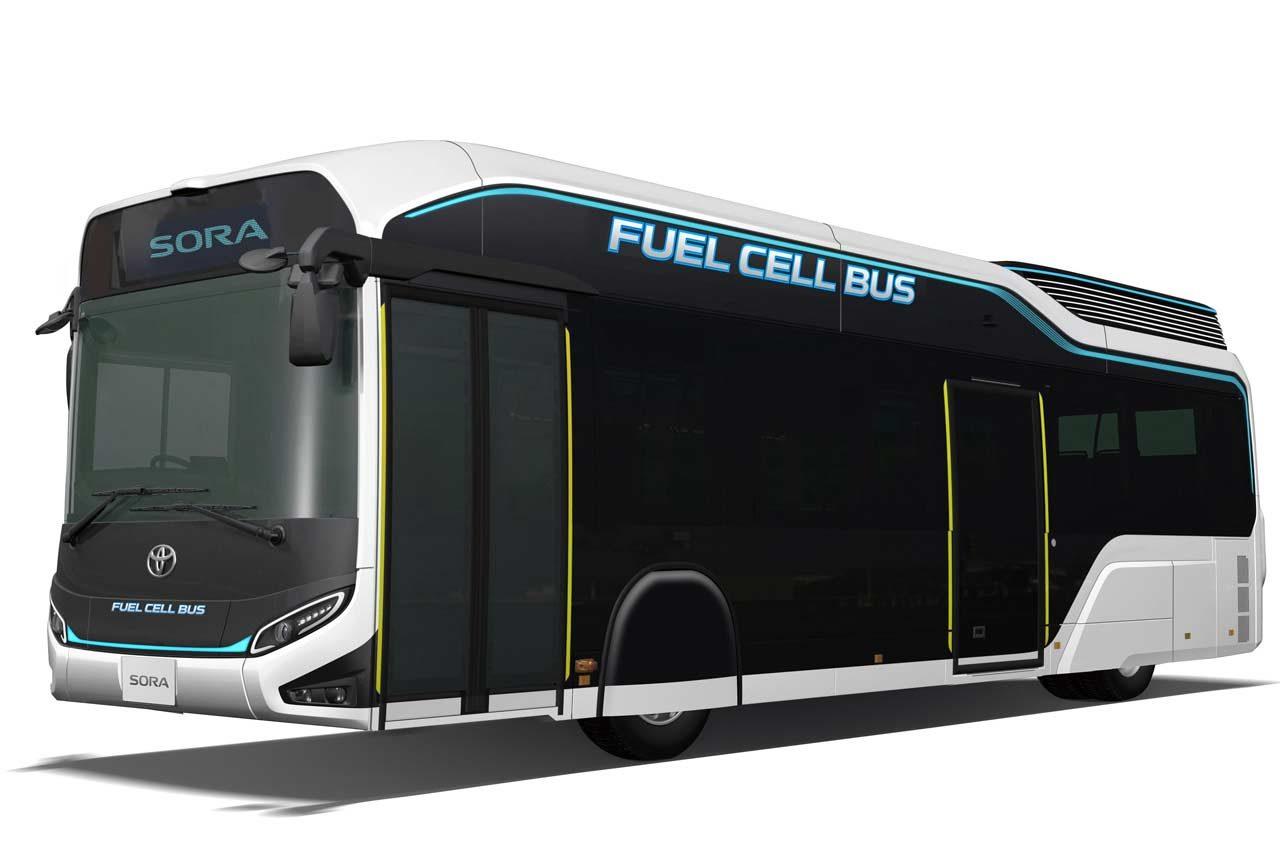 プレミアムサルーンと公共バス。トヨタ、燃料電池車コンセプト2車種を発表