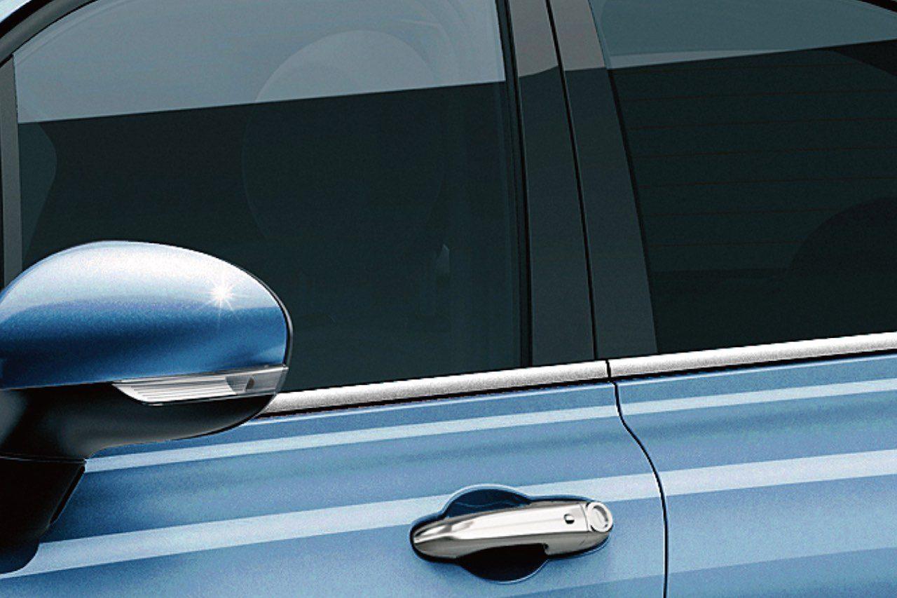 デニムカラーの『フィアット500X・ジーンズ』。500にも爽やか限定車登場