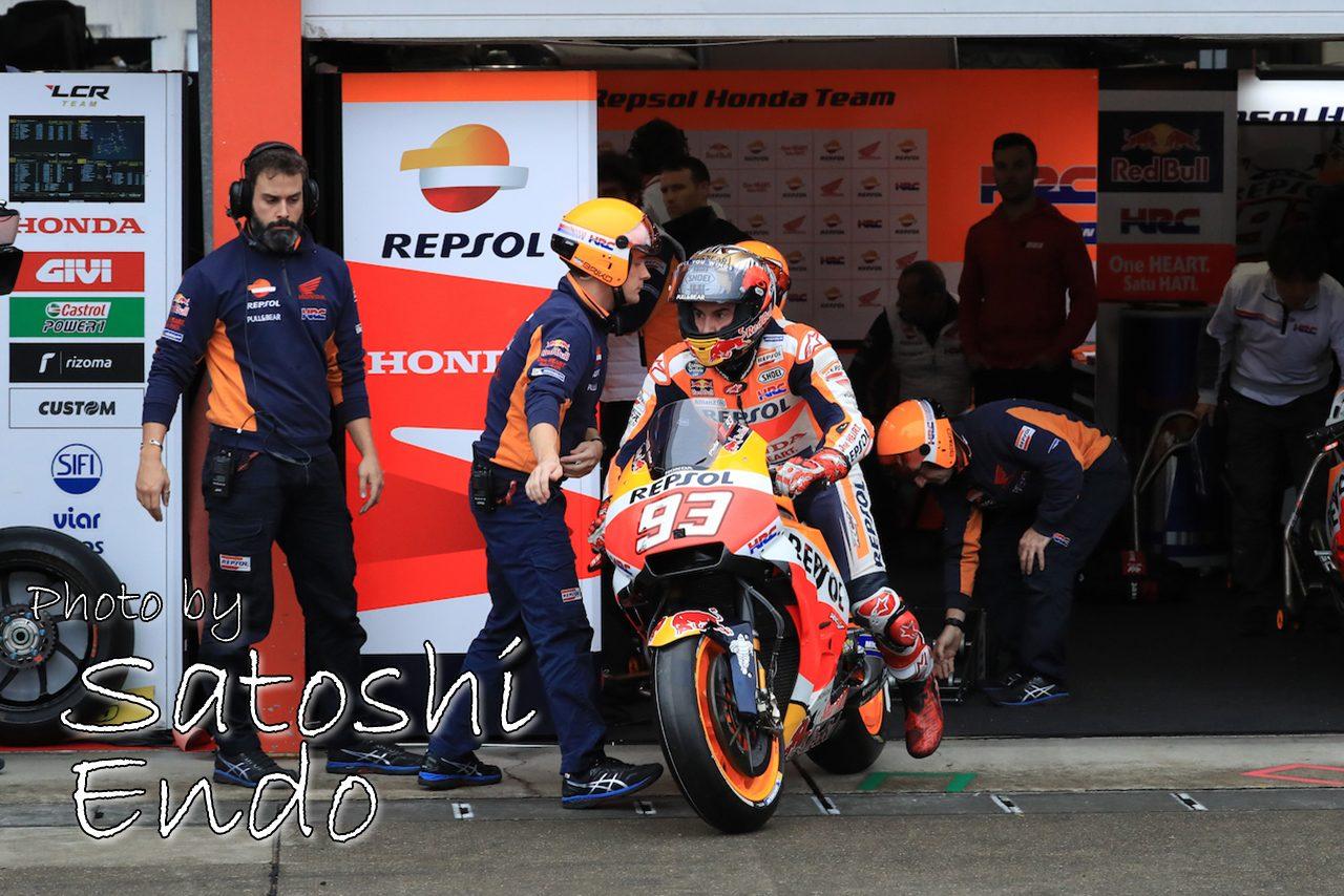 MotoGP現地トピックス:今季最高の名勝負を繰り広げたドビジオーゾとマルケス。日本GPスペシャルヘルメットも登場