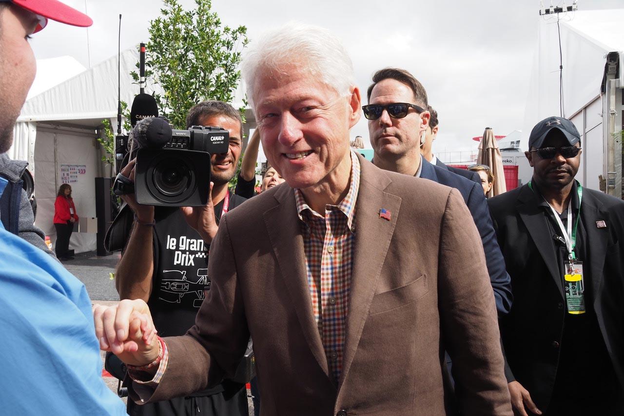 パドックに元アメリカ大統領ビル・クリントンが登場@F1第17戦アメリカ ...