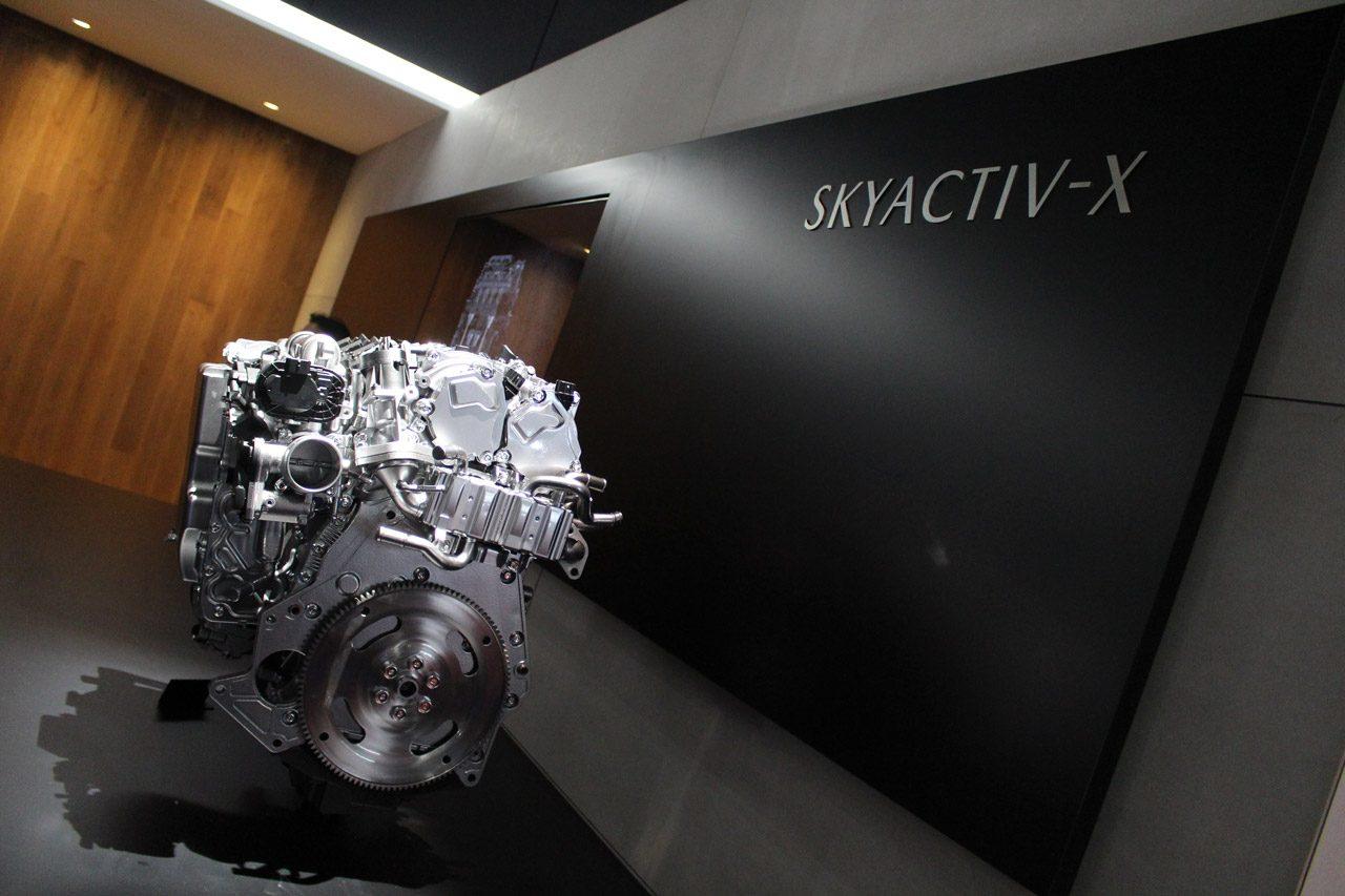 東京モーターショー2017 マツダSKYACTIV-X
