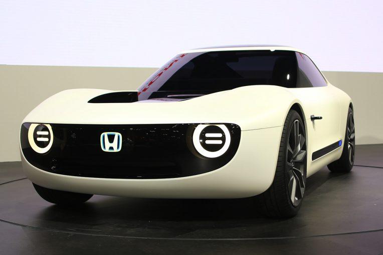 クルマ   ホンダ、東京モーターショーでEVコンセプトなど世界初公開。スーパーカブ、モンキーの実車も