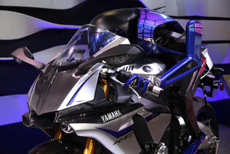 MotoGP | ヤマハ、東京モーターショーでロッシvsモトボットのエピソード3を公開。大型三輪バイクなども世界初披露