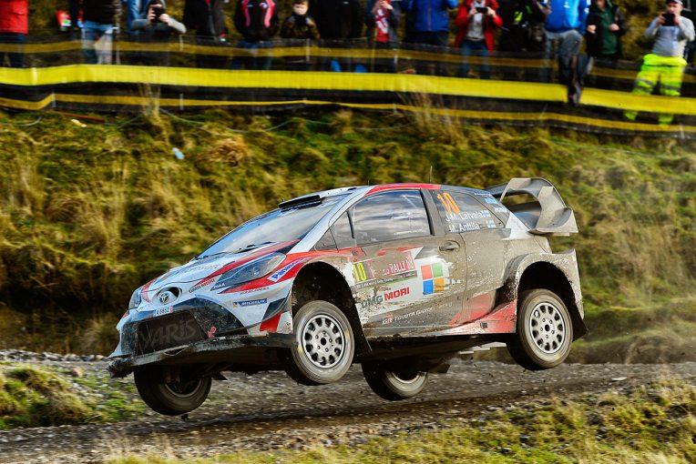 ラリー/WRC   WRC:トヨタ、ラリーGB2日目は雨でぬかるむ路面に苦戦も全車完走。ラトバラが5番手
