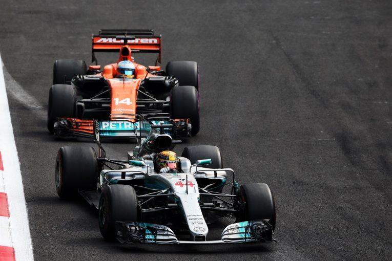 F1 | マクラーレン「ルイスよ、来年はもっとエキサイティングなバトルをしよう!」/F1メキシコGP日曜