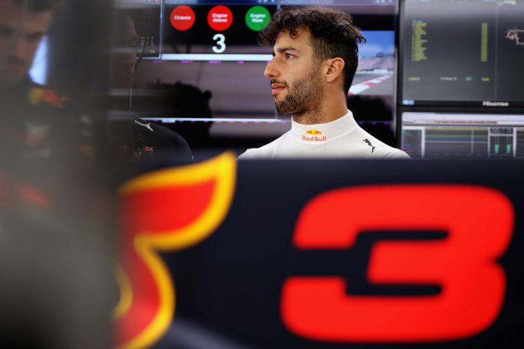 F1   フェルスタッペンの契約延長で「レッドブルF1での立場は有利になった」とリカルド