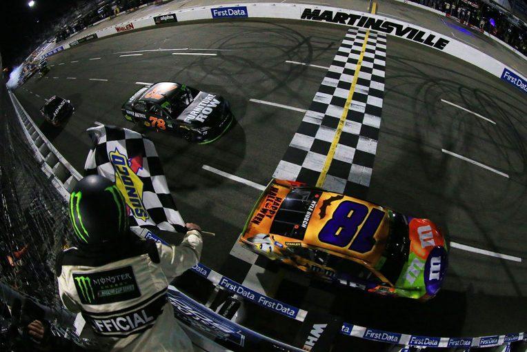 海外レース他   NASCAR第33戦:トヨタのカイル・ブッシュが逆転優勝。チャンピオン候補1番乗り