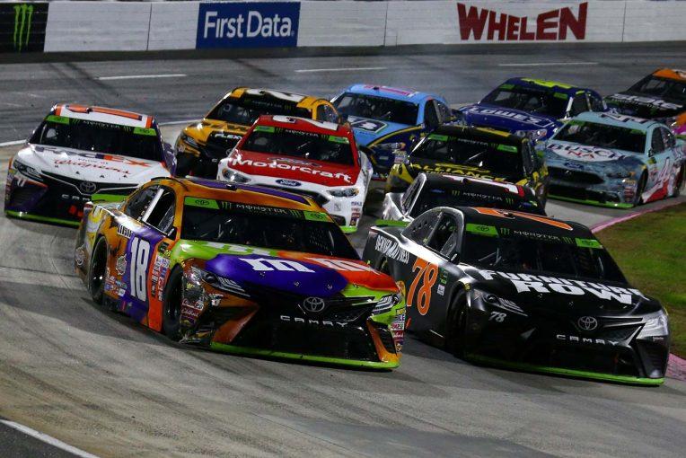 海外レース他   NASCAR:TOYOTA GAZOO Racing 2017第33戦マーティンズビル レースレポート