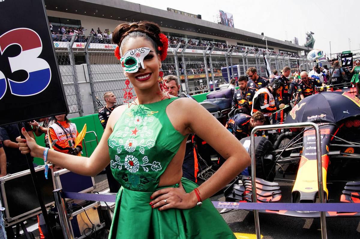 F1メキシコGPグリッドガール