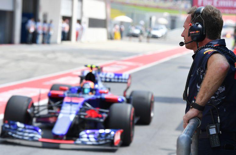F1 | レッドブルF1代表「サインツJr.はリカルド離脱に備えてのセーフティネット」