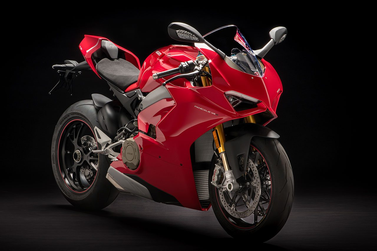ドゥカティが2018年モデルを発表。4気筒のスポーツバイク、パニガーレV4登場