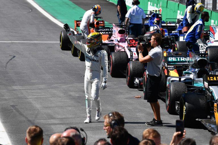 F1   ハミルトン、ピットレーンから4位「せめて名誉挽回したくて、全身全霊で走った」/F1ブラジルGP