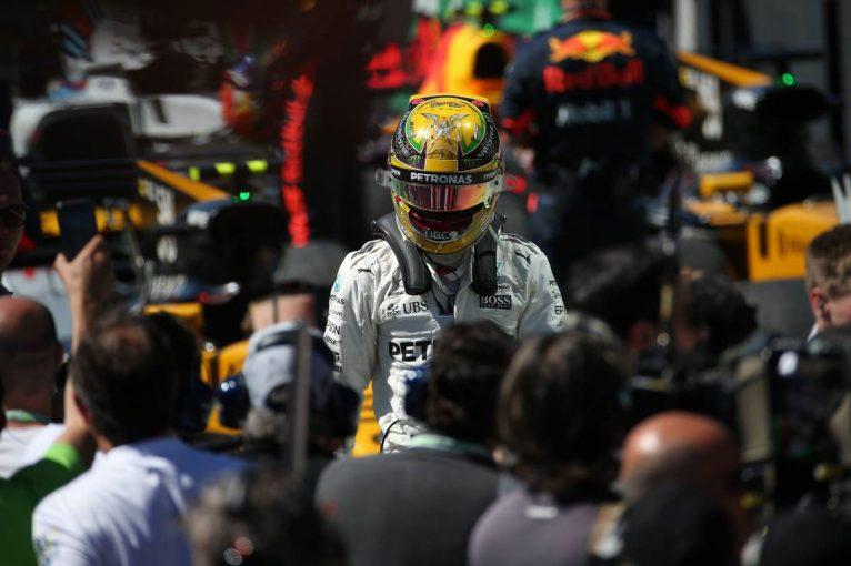 F1 | 予選Q1でクラッシュしたハミルトン。4冠王の意地を見せ怒涛の追い上げ【F1ブラジルGP決勝分析】