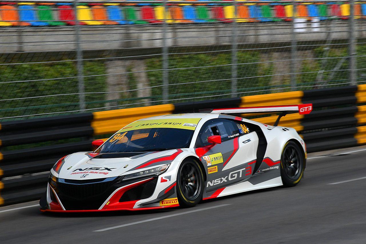 FIA GTワールドカップ:FP2はフラインスのアウディが首位。ホンダNSX GT3はタイムを上げる