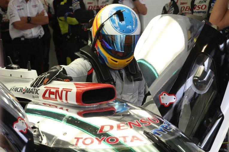 F1   アロンソ、WEC初テストを終了、トヨタLMP1マシンで113周を走行。「今日の目標は達成」とトヨタ首脳