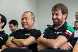 クリアウォーター・レーシングの61号車フェラーリをテストドライブした石川資章(左)、オリビエ・ベレッタ(右)