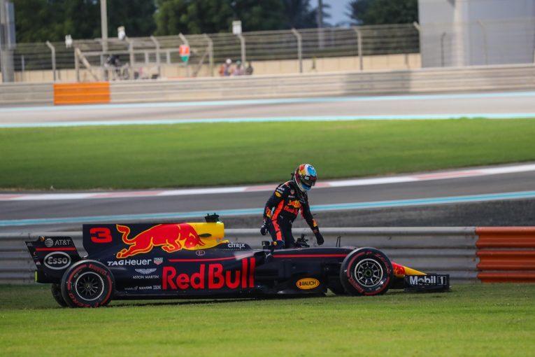F1 | リカルド、リタイアで選手権4位を失う「キミはフェラーリに乗っているんだから僕に勝つのが当たり前」