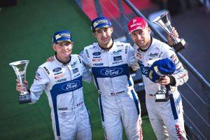 第2戦スパで3位表彰台に上がったオリビエ・プラ(左)、ジミー・ジョンソン(中央)、ステファン・ミュッケ(右)