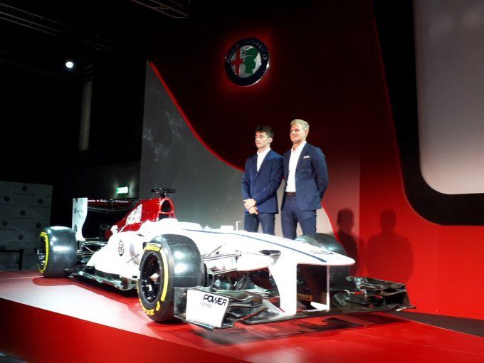 F1 | アルファロメオ・ザウバーF1、ルクレール&エリクソンの起用を発表。2018年のカラーリングコンセプトも披露