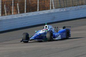 もてぎのオーバルコースを久々にレーシングカーが走行した