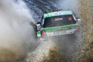 WRC2は大会編の参加義務制度がなくなるなど、ローカルドライバーの参戦が促されている