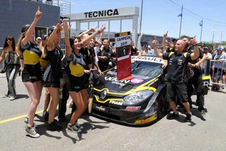 海外レース他 | スーパーTC2000:最終戦コルドバ。ルノー・フルーエンスGTが初王座を獲得