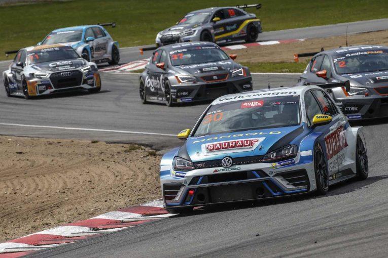 海外レース他   STCC:TCR規定2年目の2018年シーズンは、週末レース数を3から2に縮小
