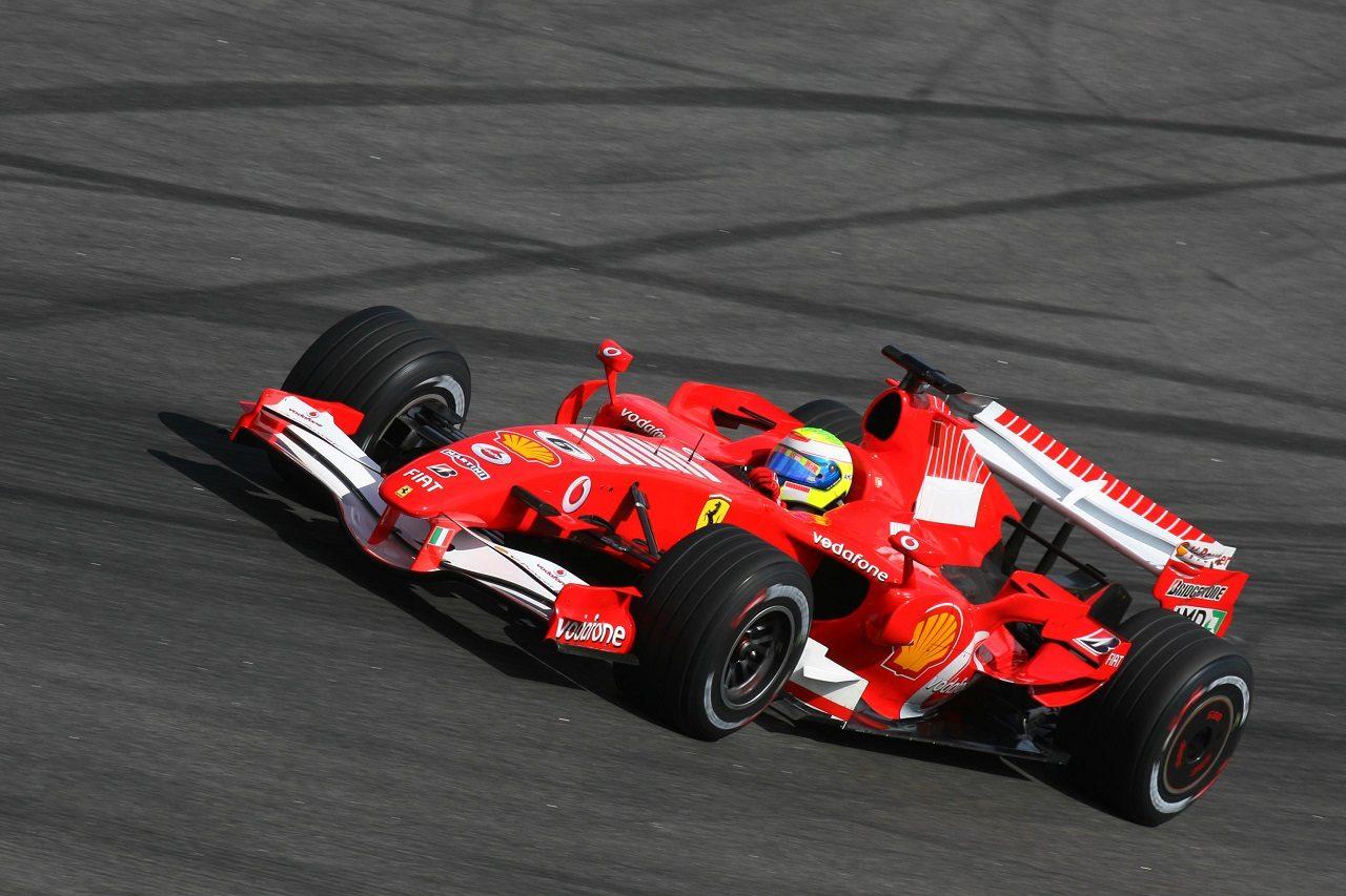 2006年フェラーリ248 F1を駆るフェリペ・マッサ