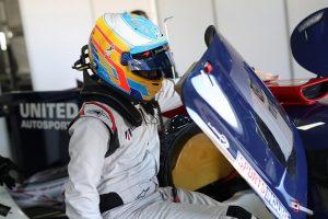 フェルナンド・アロンソは2017年11月、アラゴンでリジェJS P217・ギブソンのテストを行なった。