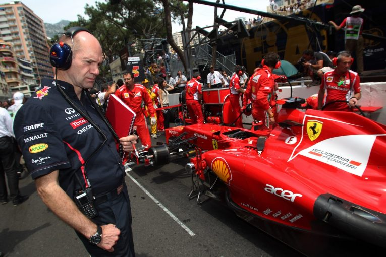 "F1 | ニューウェイ、""あり得ないほど巨額のオファー""を提示したフェラーリF1よりレッドブルを選ぶ"