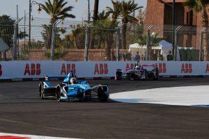 ポールポジションを獲得したセバスチャン・ブエミと、レース序盤2番手につけたサム・バード