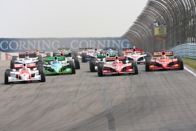 ルーキーとトップ11以下のドライバーに追加プラクティス(1)