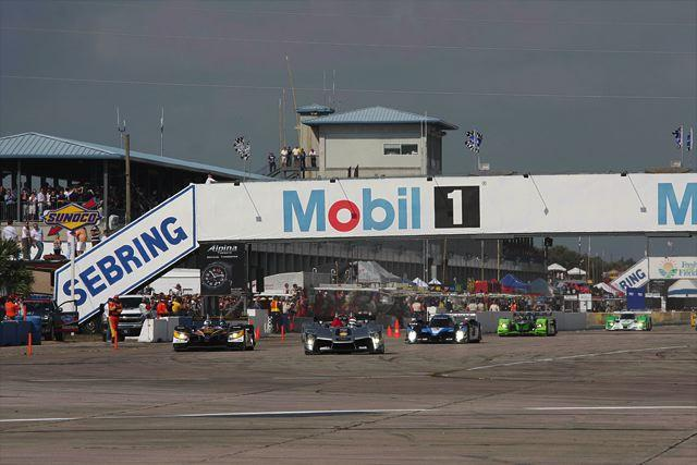 ALMSセブリング12時間:アウディが貫録勝ち、R15デビューウインを達成。アキュラLMP1はリタイア、LMP2では優勝(3)